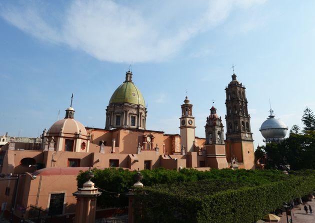Templo de San Agustin y Torre de Agua, centro de Celaya