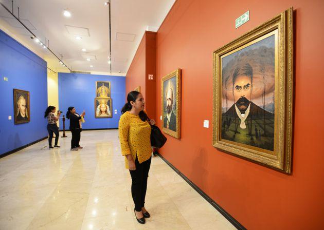 Museo de Arte con pinturas metamórficas de Octavio Ocampo