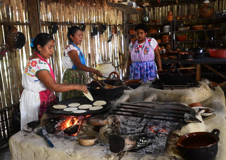 Cocineras Totonacas en Tajín