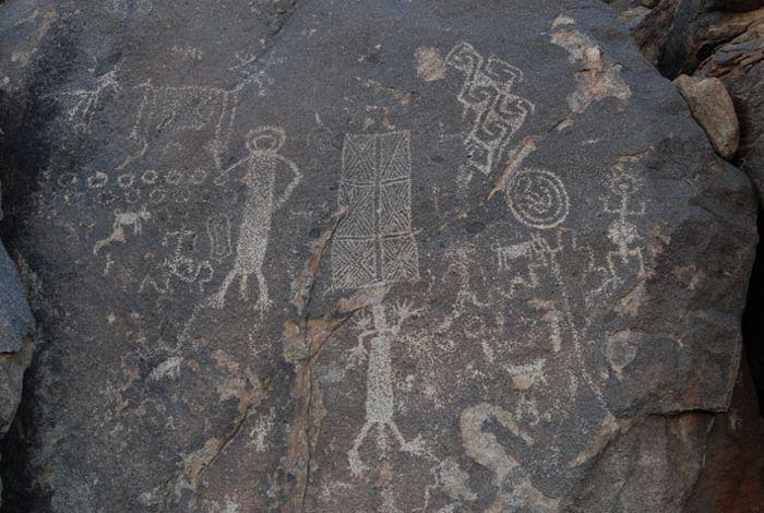 Petroglifos en Caborca, Sonora.