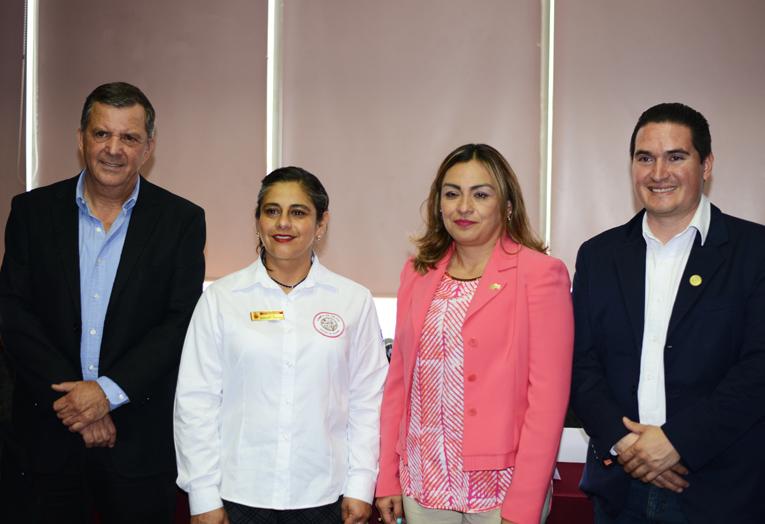 Raúl Jiménez, Silvia Narváez, Marisela Campos, José Avila