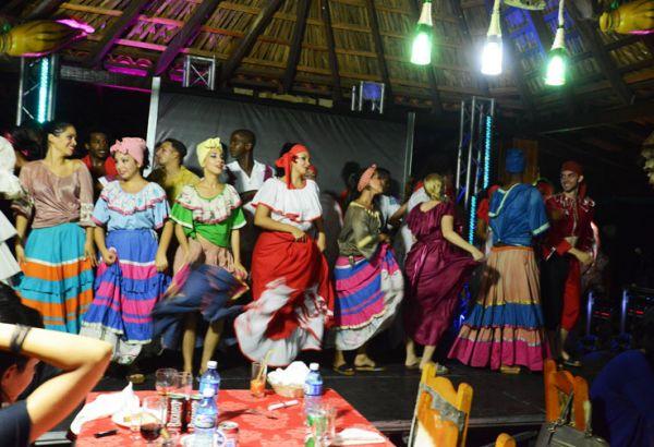 Danzas y bailes ancestrales en hoteles, restaurantes y bares de Viñales.