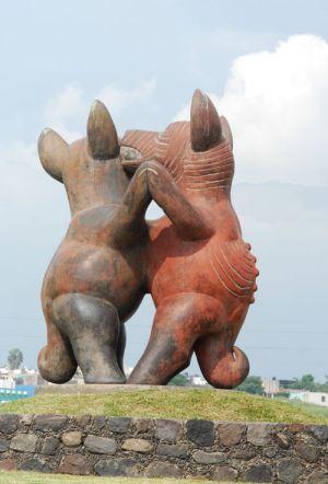 Perritos Bailarines, artesanía de cerámica en el periférico de la ciudad de Colima, Col.