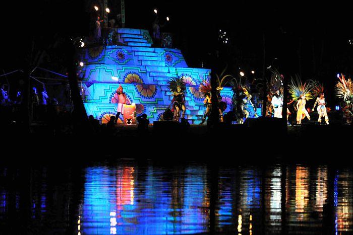 """Representación de """"La Llorona"""" en Xochimilco."""
