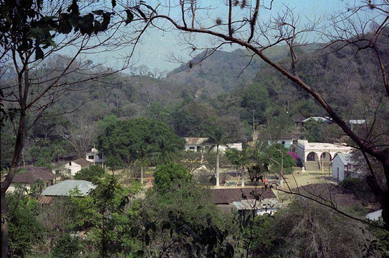 Centro de Chiconamel desde cerro Tetipha, años 80's