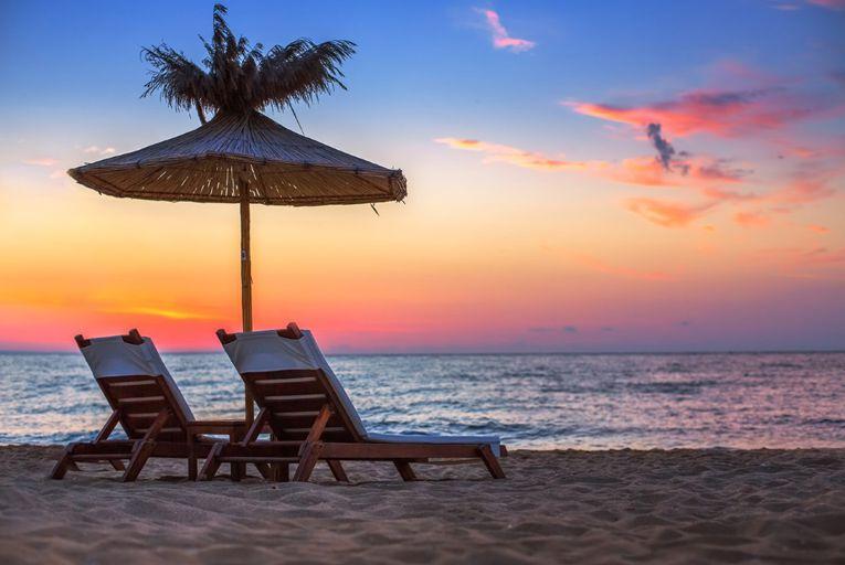 Atardecer en playa del Pacifico Mexicano