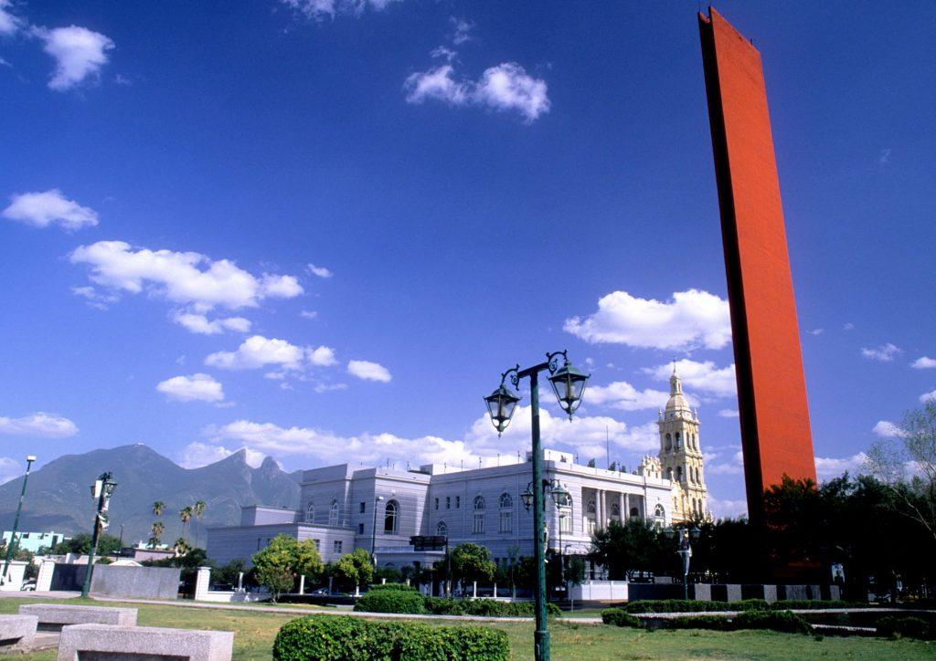 Macroplaza y Cerro de la Silla. SB