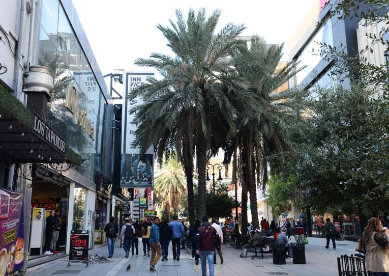 Calle peatonal y comercial en el Centro Histórico