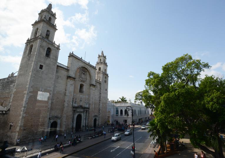 Catedral de Mérida y parque central