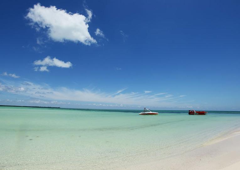 Aguas transparentes y cálidas en Isla de la Pasión
