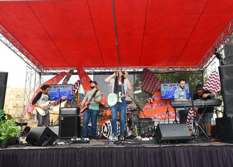 Festival de Musica en el barrio mexicano de Pilsen